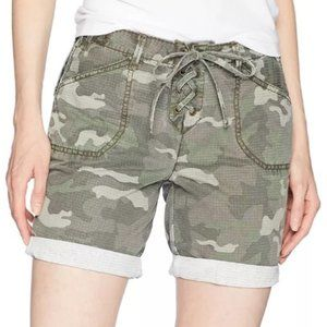 NWT Green Camo Utility Cargo Lace Up Shorts 26